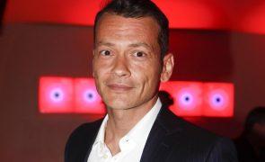 Pai do jornalista Pedro Mourinho internado após atropelamento