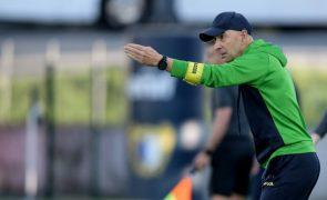 Treinador do Tondela prometeu competir na receção ao Benfica
