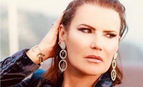 Elma Aveiro exagera nas compras e leva 'raspanete' da mãe Dolores