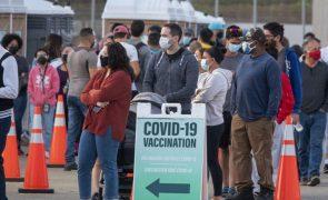 Covid-19: Estados Unidos já vacinaram totalmente 100 milhões de pessoas