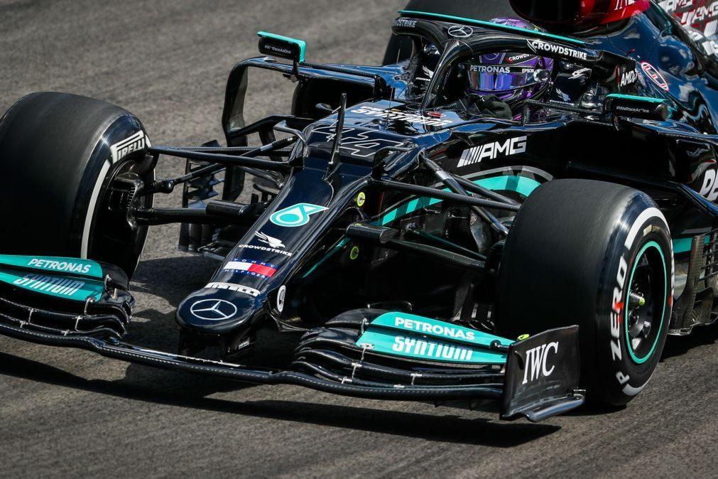 F1/Portugal: Hamilton vence duelo com Verstappen na segunda sessão de treinos livres