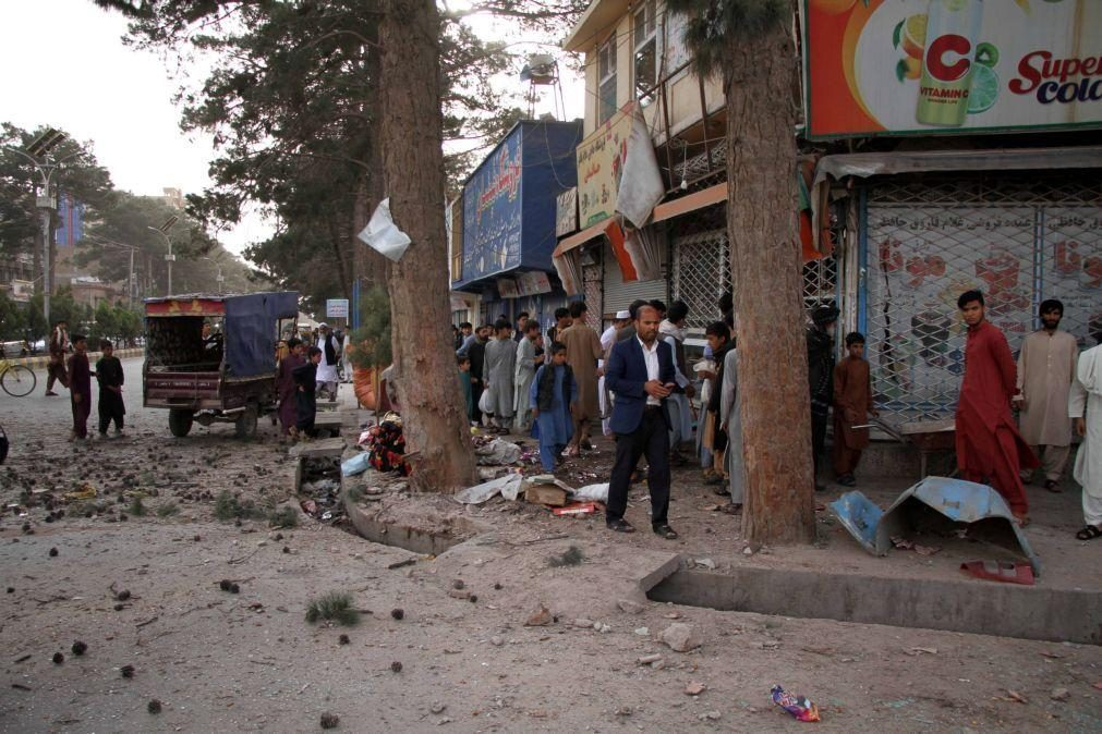 Ataque com veículo armadilhado faz pelo menos 25 mortos no Afeganistão