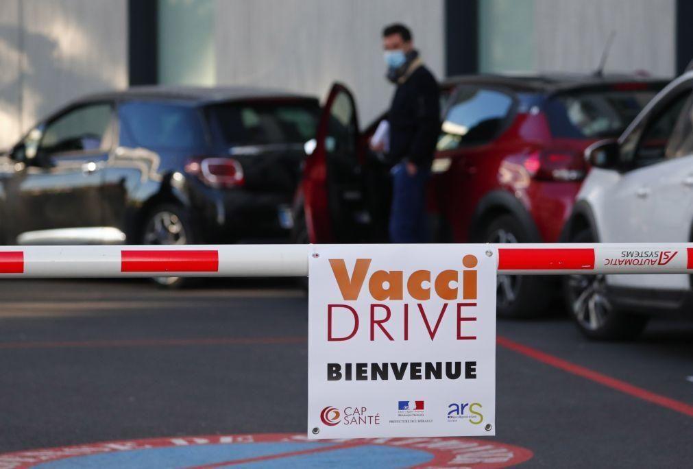 Covid-19: França regista recorde de 637 mil inscrições para vacinação num dia