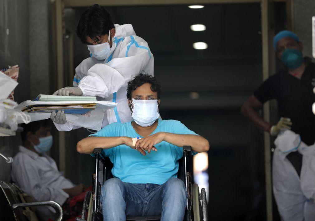 Covid-19: Índia inicia nova fase de vacinação para maiores de 18 anos