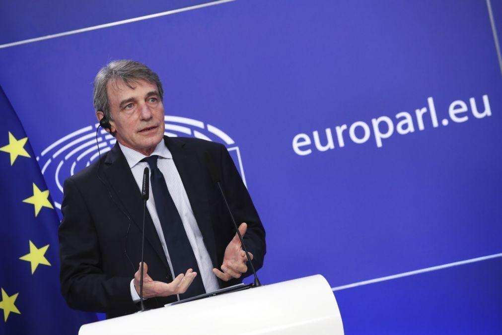 Presidente do Parlamento Europeu pede