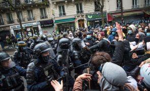 Trabalhadores franceses regressam à rua após mais de