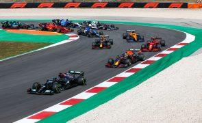 F1/Portugal: Hamilton divertiu-se