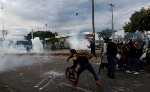 UE condena violência contra manifestantes na Colômbia