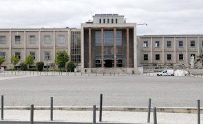 Faculdade de Letras de Lisboa recebe 14.000 volumes de Biblioteca Ultramarina