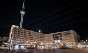 Covid-19: Incidência, novos casos e mortes caem na Alemanha