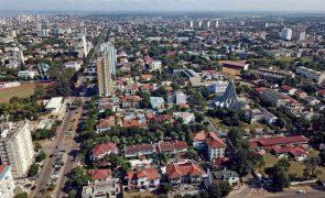 Moçambique deve sair da recessão, mas previsão de crescimento recua - Standard Bank