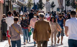 Índice de transmissibilidade (Rt) e incidência continuam a descer em Portugal