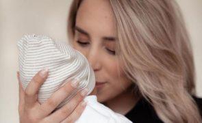 """Helena Coelho conta como foi o parto: """"Foi induzido e instrumentado"""""""