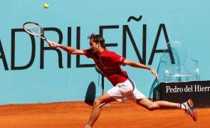 Medvedev eliminado nos oitavos de final do Masters 1.000 de Madrid em ténis