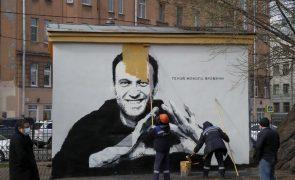 Amnistia Internacional volta a classificar Navalny como preso de consciência