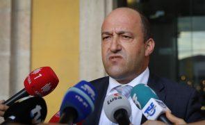 Greve do SEF leva ao encerramento da maioria dos departamentos nacionais