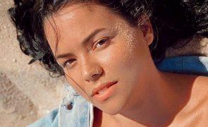Angélica Jordão De luto pela morte da filha logo após o parto
