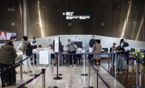 Covid-19: França estende quarentena a viajantes provenientes de mais sete países