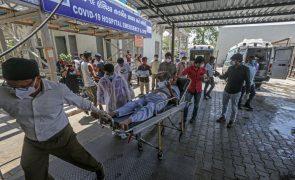 Covid-19: Índia ultrapassa pela primeira vez 4.000 mortos em 24 horas