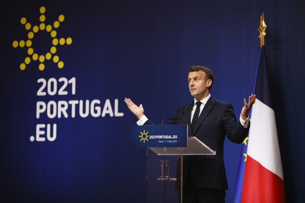 Cimeira Social: Macron apela aos EUA para acabar com restrições a exportações de vacinas