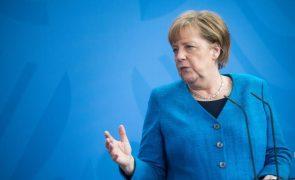 Covid-19: Merkel pede aos EUA que abram o