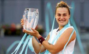 Sabalenka vence Ashleigh Barty e conquista torneio de Madrid