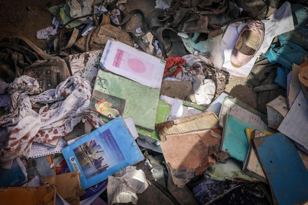 Sobe para 50 número de mortos em atentado bombista no Afeganistão