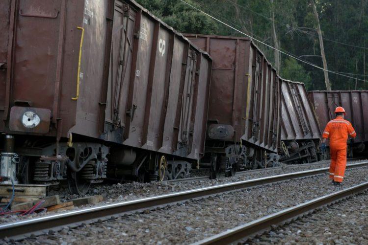 Descarrilamento de comboio de mercadorias suspende circulação na Linha da Beira Alta