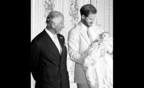 Archie Príncipe Carlos só viu o filho de Meghan e Harry duas vezes