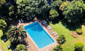 Este hotel em Lisboa tem brunch com acesso à piscina