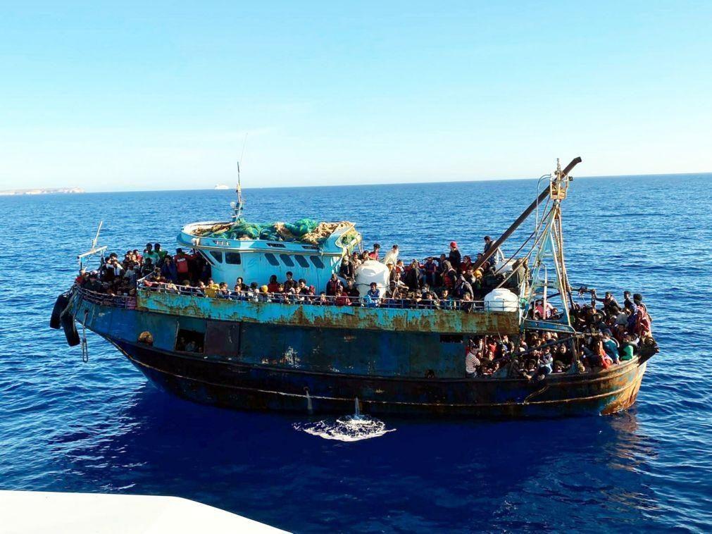 Mais de 1.400 migrantes resgatados em Lampedusa, no Mediterrâneo
