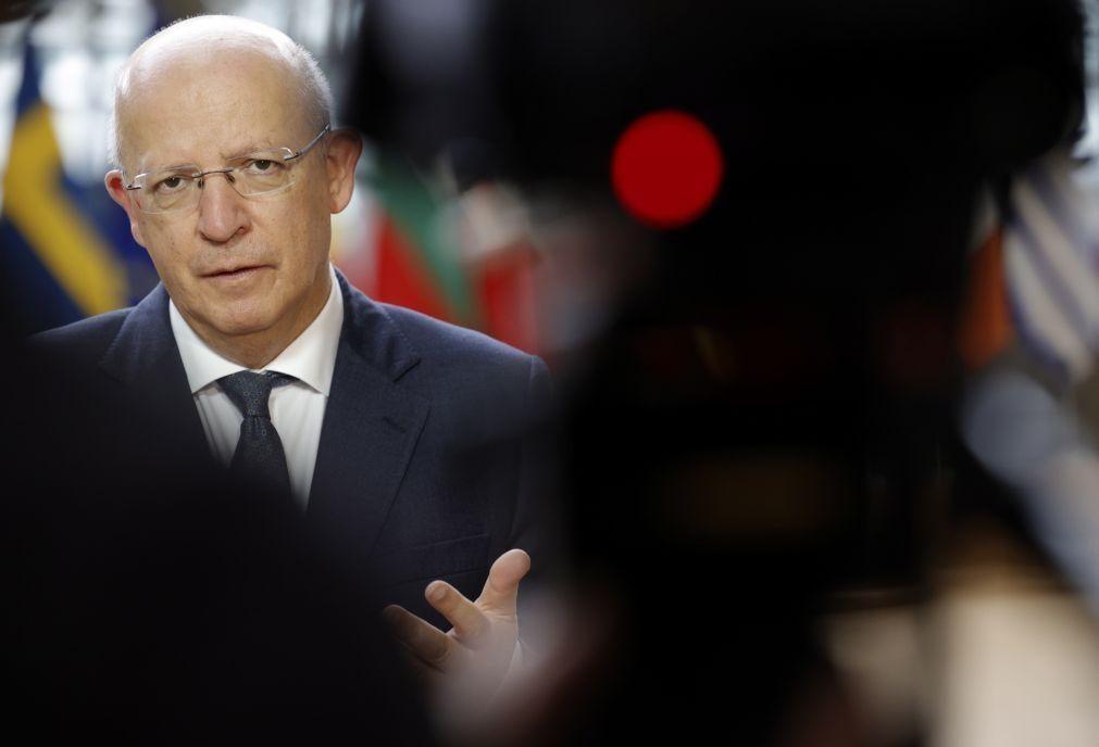 UE/Presidência: MNE apela a que
