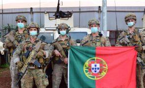 Militares obrigam Parlamento a debater aumento salarial