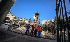 Hamas ameaça Israel com escalada se não sair da Esplanada das Mesquitas