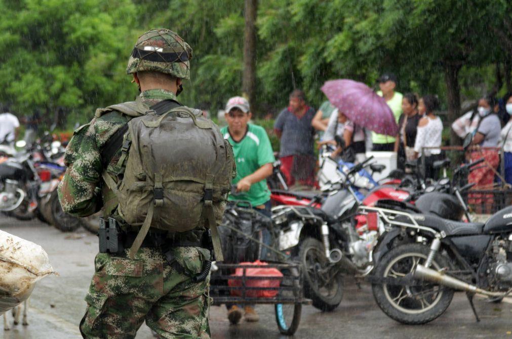 Venezuela: FARC confirmam que têm oito militares venezuelanos em seu poder