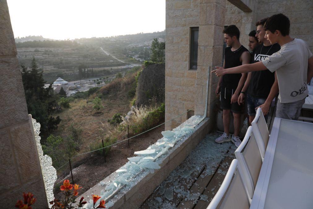 Exército israelita ataca 130 alvos do Hamas em Gaza e mata 15 pessoas
