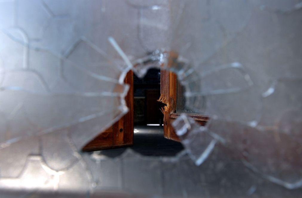 Pelo menos nove mortos na sequência de disparos numa escola da Rússia