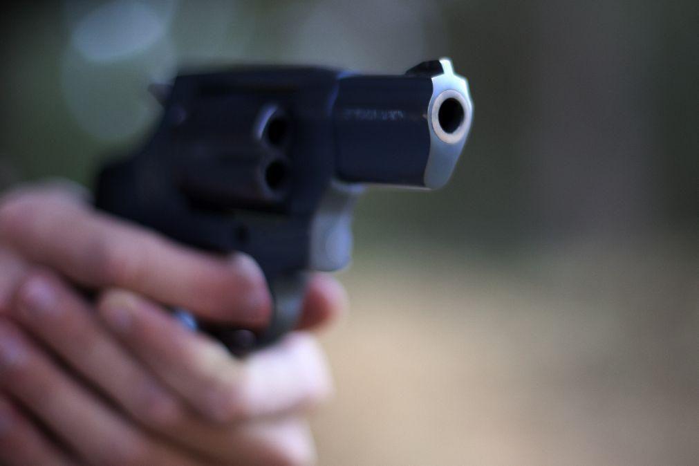 Adolescente suspeito de matar nove pessoas numa escola russa detido pela polícia