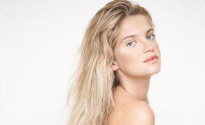 Júlia Palha apanhada de fio dental: