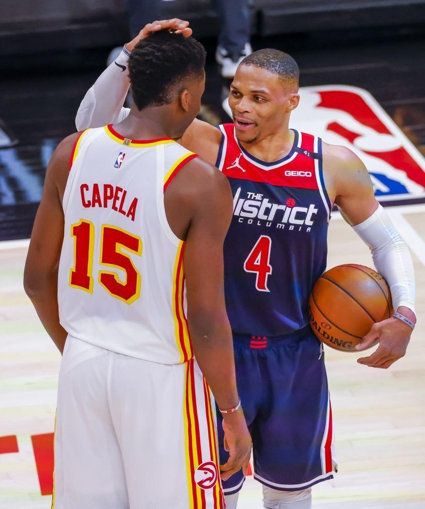 Russell Westbrook bate recorde de 'triplos-duplos' na NBA