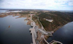 EDP avança com parque solar flutuante no Alqueva que deverá estar a produzir no final do ano