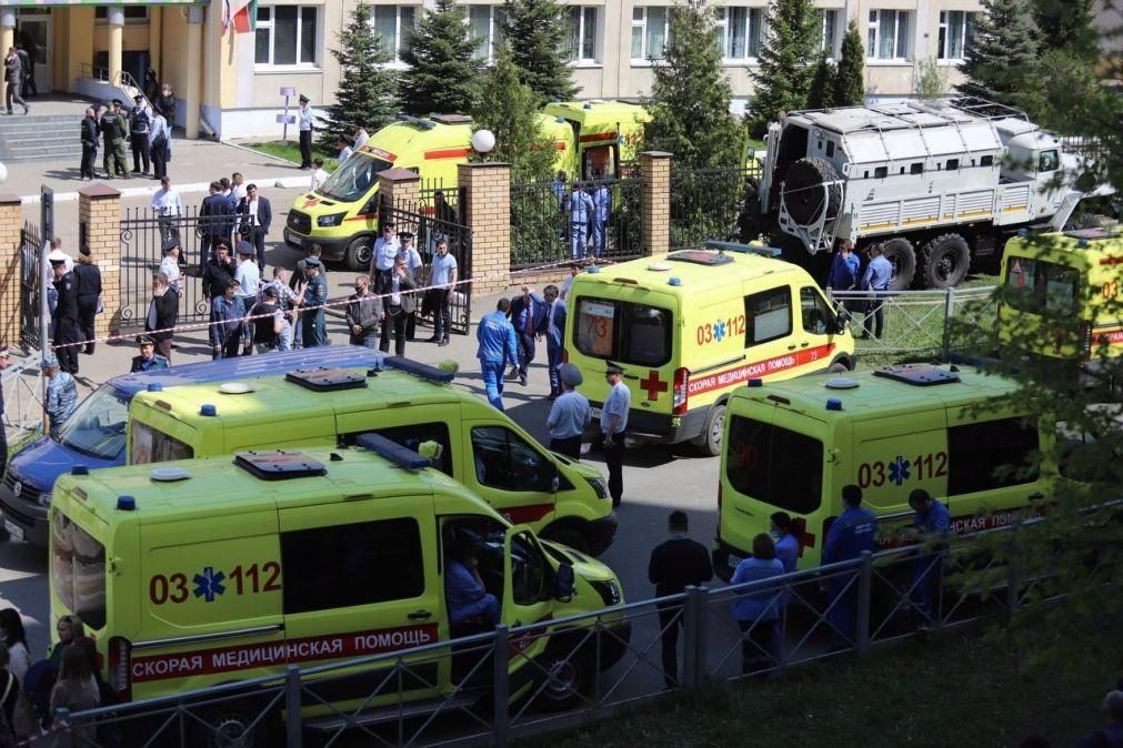 Putin ordena revisão da lei das armas após massacre em escola da Tartária