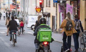 Governo espanhol equipara a assalariados precários que fazem entregas ao domicílio