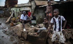 Vítimas das chuvas de Luanda ainda à espera de realojamento