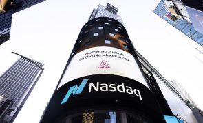 Wall Street fecha em baixa apesar da recuperação dos títulos da tecnologia