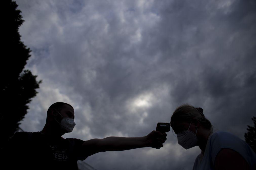 Covid-19: Brasil soma mais 2.311 mortos e supera os 425 mil óbitos