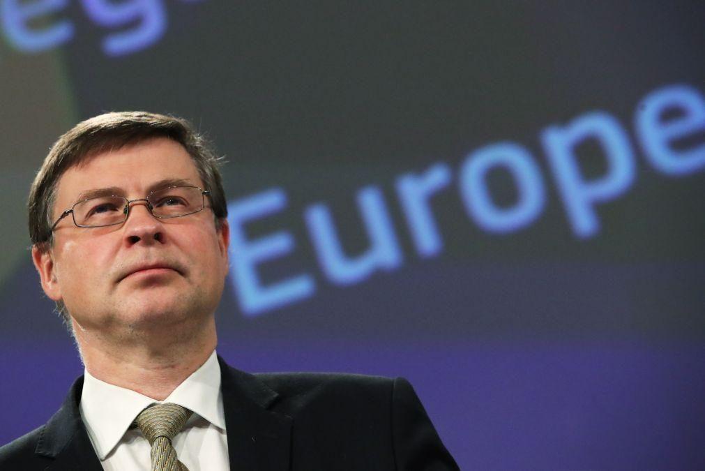 UE/Previsões: Dombrovskis considera que Portugal pode agora ter esperança de o pior já ter passado