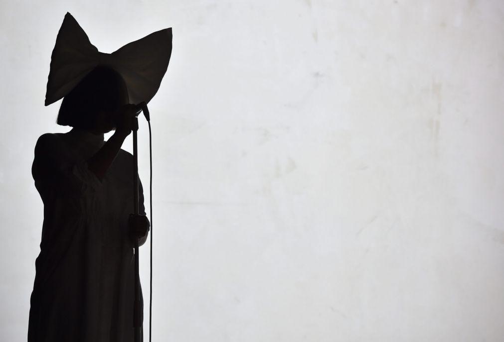Exposição de Sia e Daniel Askill no Porto mostra cenas inéditas de bastidores