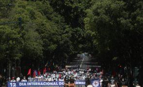 Manifestação de enfermeiros termina com apelos ao Governo para