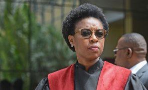 Parlamento moçambicano adia debate de moção de censura à PGR